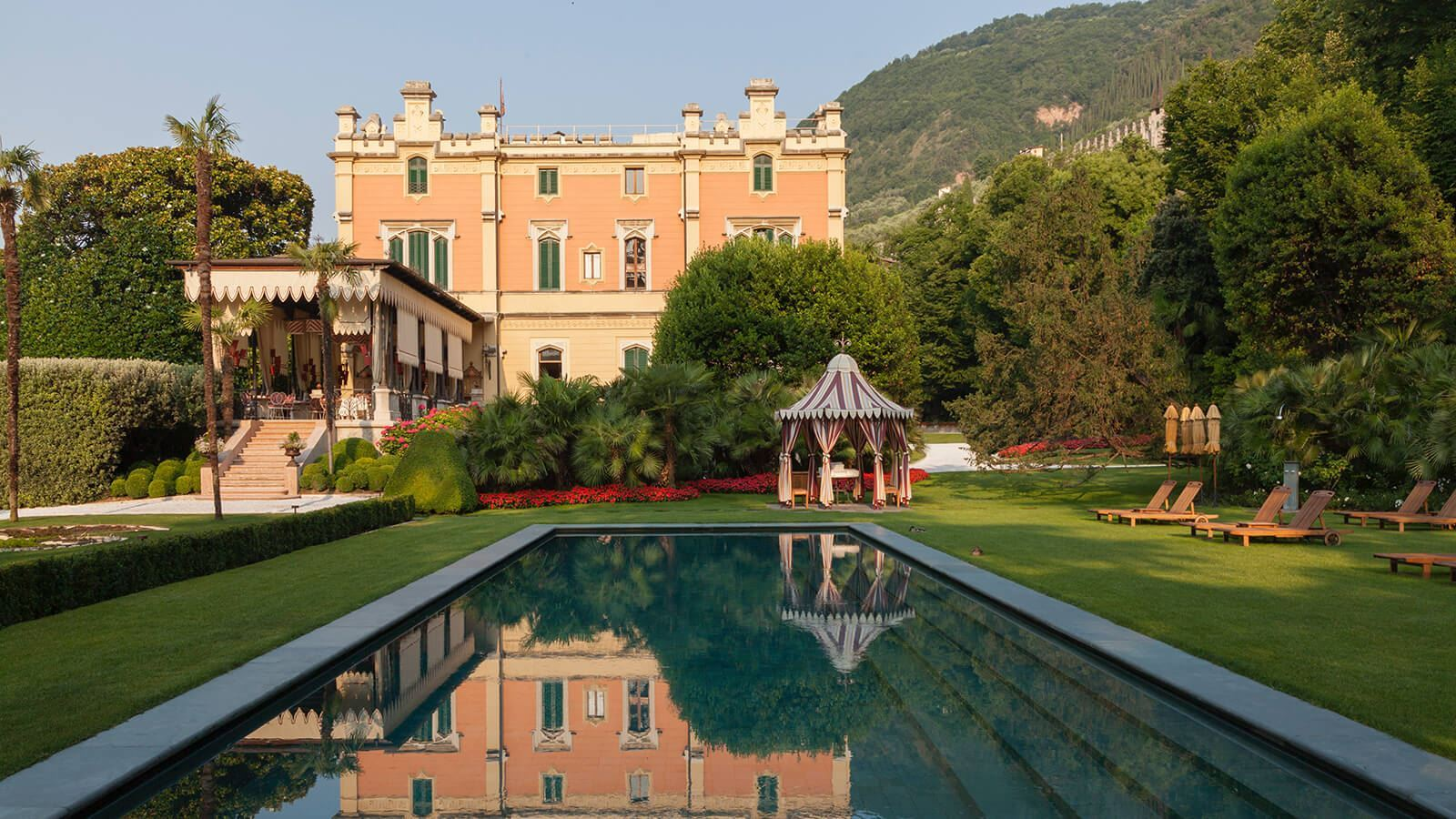 Gand Hotel a Villa Feltrinelli - The pool and the garden
